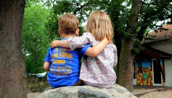 Freundschaft im Kindergarten. Foto: S.v.Gehren  / pixelio.de