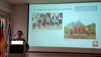 Sandra Holzapfel präsentiert das Projekt in Brüssel. Foto: privat