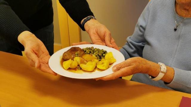 Zur Auswahl stehen mehrere Gerichte, die einige Tage vorher gebucht werden müssen.   Foto: Gabler / Caritas